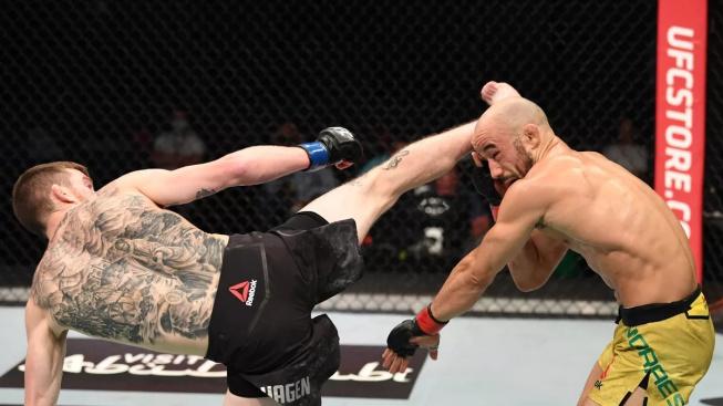 Cory Sandhagen zlomil Marlonu Moraesovi očnici a ukázkovým kopem z otočky jej knockoutoval