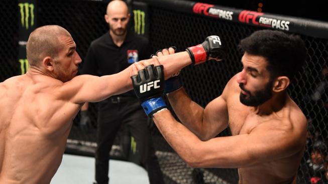 Knockout jabem? Tenhle nevídaný kousek ukázal v UFC Tom Breese a vydělal na tom pěkný balík