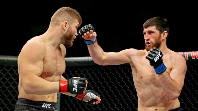 Ankalaev zvládl proti moldavskému Hulkovi i odvetu. Cutelabu srazil na kolena na konci prvního kola