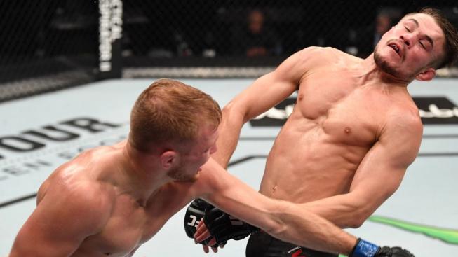 UFC 254 bonusy – Khabib byl oceněn za výkon večera, kdo další si odnesl prémii 50 tisíc dolarů?