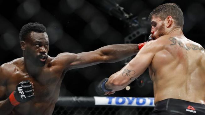 """Hlavní zápas víkendového UFC bude soubojem bývalých parťáků. """"Je to skrytý psychopat,"""" říká Strickland o Hallovi"""