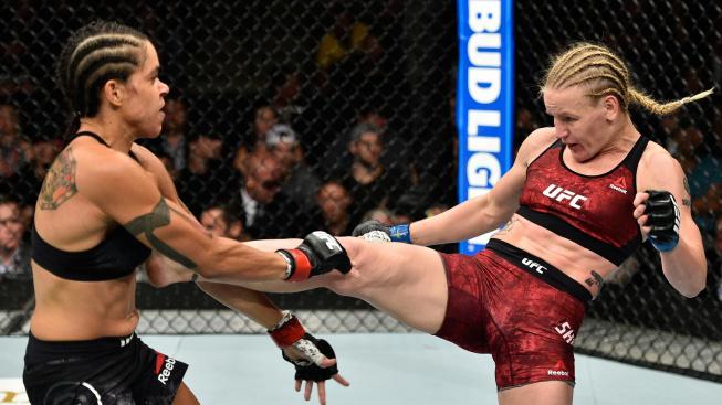 """""""Shevchenko by teď potřebovala soupeřku, která by ji mohla porazit,"""" myslí si o šampionce muší váhy Dana White"""