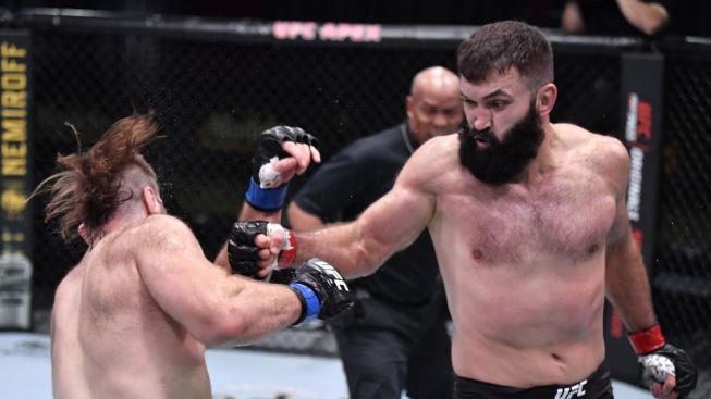 Andrei Arlovski ukázal, že i ve 41 letech se dá v UFC vyhrávat