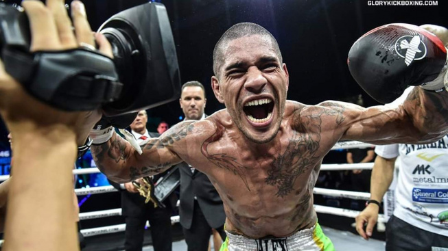 Muž, který knockoutoval Israela Adesanyu se vrátil do MMA a hned si připsal další tvrdé KO