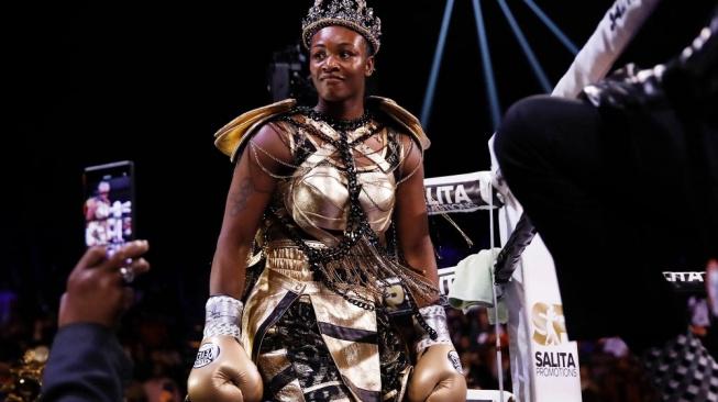 Olympijská vítězka a několikanásobná šampionka v boxu, Claressa Shields, míří do MMA