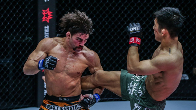 Elitní grappler Garry Tonon zvítězil i ve svém šestém MMA zápase, ale tentokrát to neměl vůbec snadné