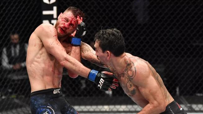 Totální demolice! Holloway trefil Kattara 445 tvrdými údery a vytvořil nový UFC rekord