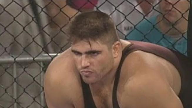 """Ve věku 51 let zemřel jeden z průkopníků UFC, Paul Varelans přezdívaný """"Polární medvěd"""""""