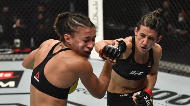 Rodriguez knockoutovala favorizovanou Ribas. Kvůli nedorozumění s rozhodčím jí musela ukončit nadvakrát