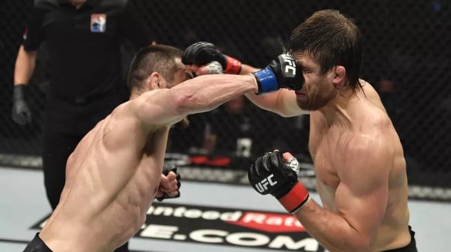 Makhmud Muradov znovu vyhrál! Svého soupeře sestřelil ve třetím kole na TKO