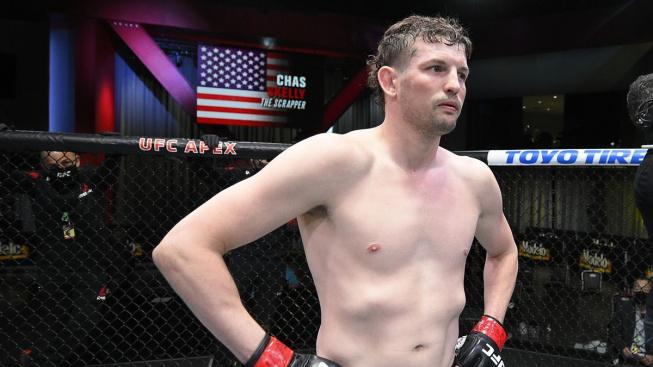 Málo vídaný okamžik v UFC. Chas Skelly sice nastoupil do klece, ale svého soupeře se nedočkal