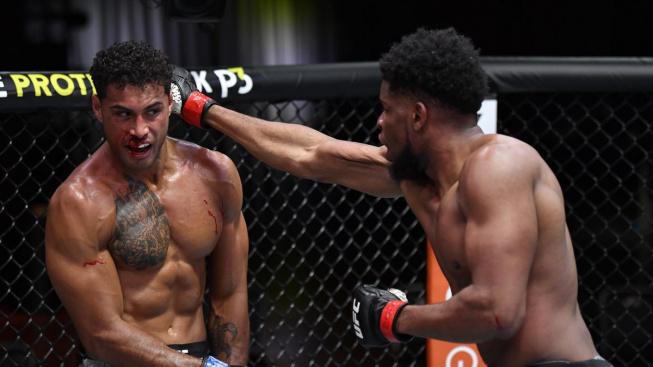 Bojovník UFC schytal za kolo a půl neuvěřitelných 146 úderů, přesto se nevzdal a zvítězil tvrdým KO