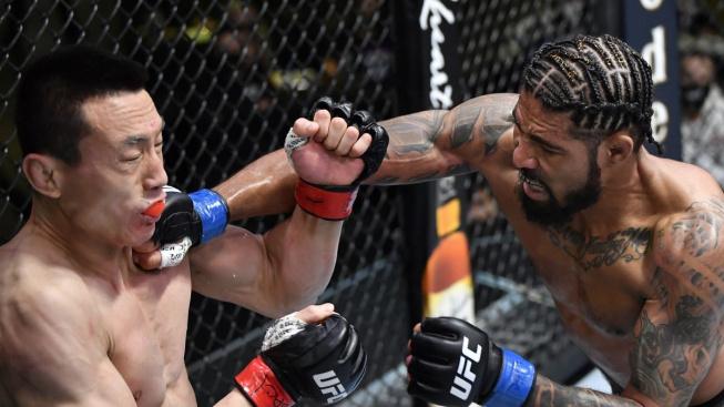 """Max """"Pain"""" znovu rozdával bolest, Číňana Songa tvrdě knockoutoval už v prvním kole"""