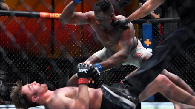 Kamerunský predátor nedal šampionovi šanci a brutálním KO mu sebral titul