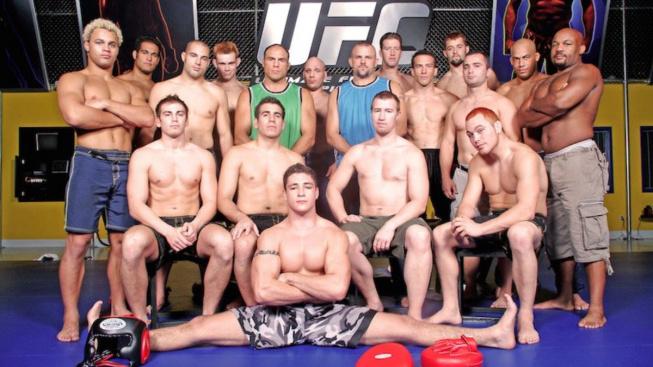 Ultimátní bojovník – reality show, která porazila trampolínový basketbal a zachránila UFC před krachem, je zpět
