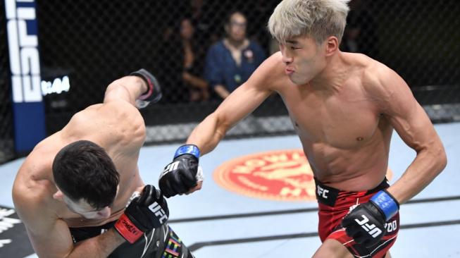 Rychlý knockout ukázal, že nová hvězda pérové váhy možná přichází z Jižní Koreje