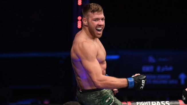 Roste v UFC nová hvězda? Jihoafričan vyhrál TKO, pak učil fanoušky vyslovit své jméno