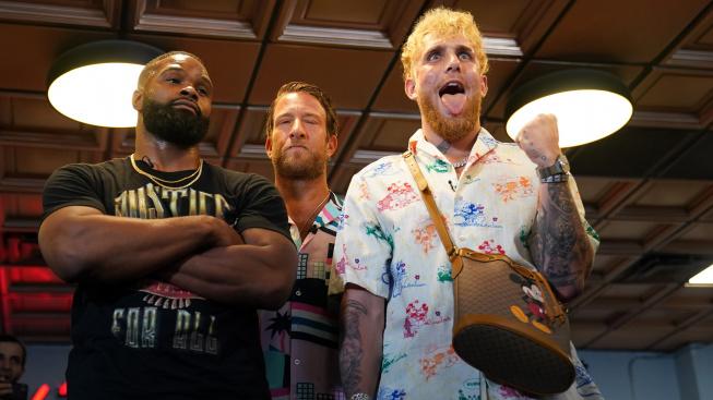 Youtuber Paul a bývalý šampion UFC Woodley uzavřeli před společným zápasem bizarní sázku
