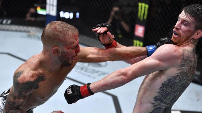 Bojovníci UFC reagují na pětikolovou bitvu Dillashawa se Sandhagenem