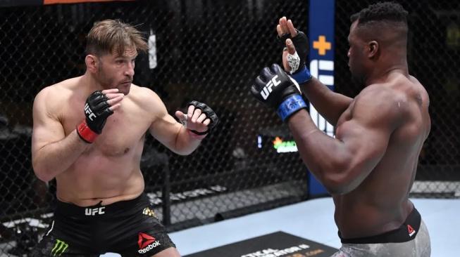 Stipe Miocic se zlobí na UFC a naznačil přechod do jiné organizace, tamější šampion ho pohotově vyzval