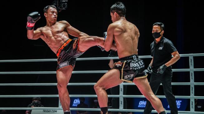 To tu dlouho nebylo! Nejlepší kickboxeři světa poměří síly v turnaji desetiletí