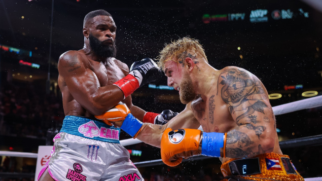 Bojovníci reagují na boxerský duel Paula s Woodleym. Diaz se oběma vysmál, McGregor zřejmě dostal na youtubera chuť