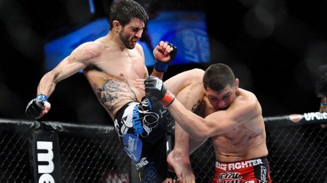 Bojovník se zbláznil a knockoutoval soupeře naskočeným kolenem ještě před zápasem