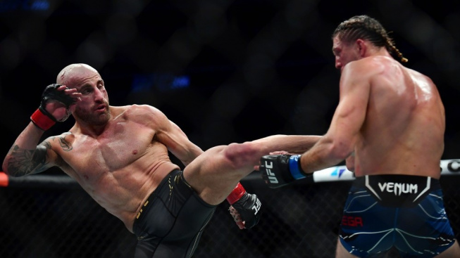 Titulový zápas v pérové váze UFC přinesl reklamu na MMA