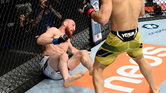 """Neskutečný zvrat v UFC! Dvalishvili přežil """"trojité KO"""" a pak Moraese totálně zdemoloval"""